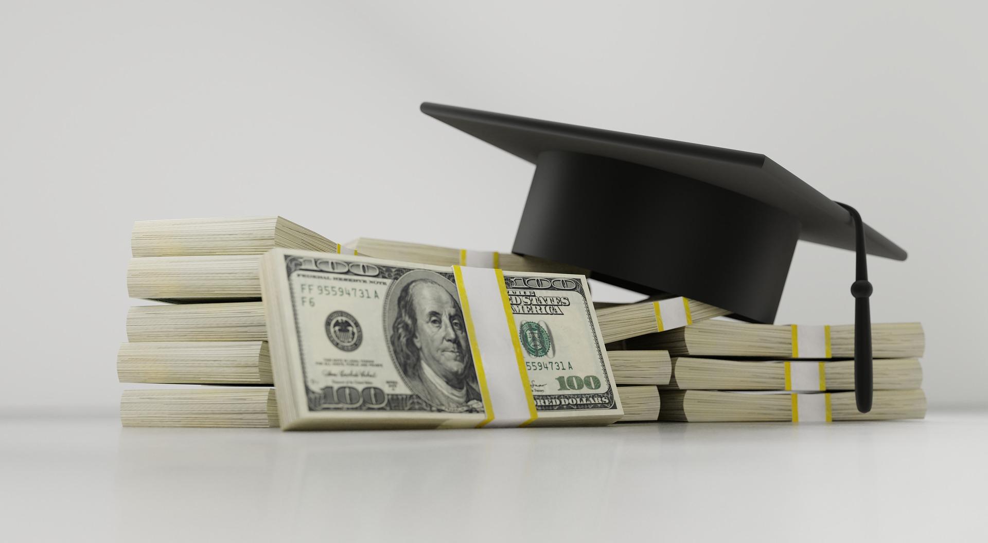 Lån penge til studiebøgerne og andre relevante ting