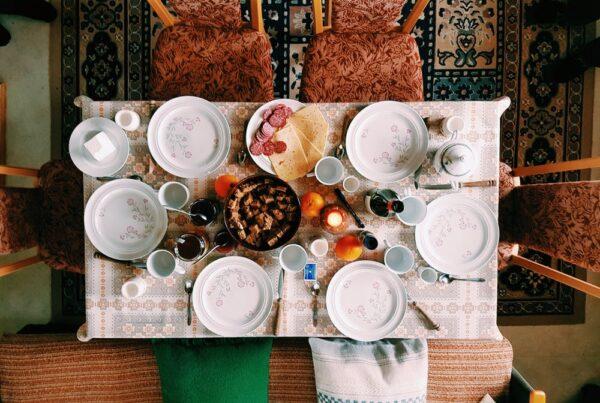 Udsmykket spisebord